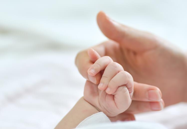 Prestaciones por maternidad exentas de IRPF